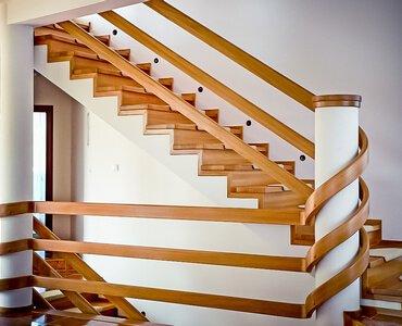 poręcze do schodów